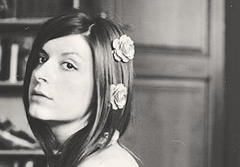 #01 Alicia Rey