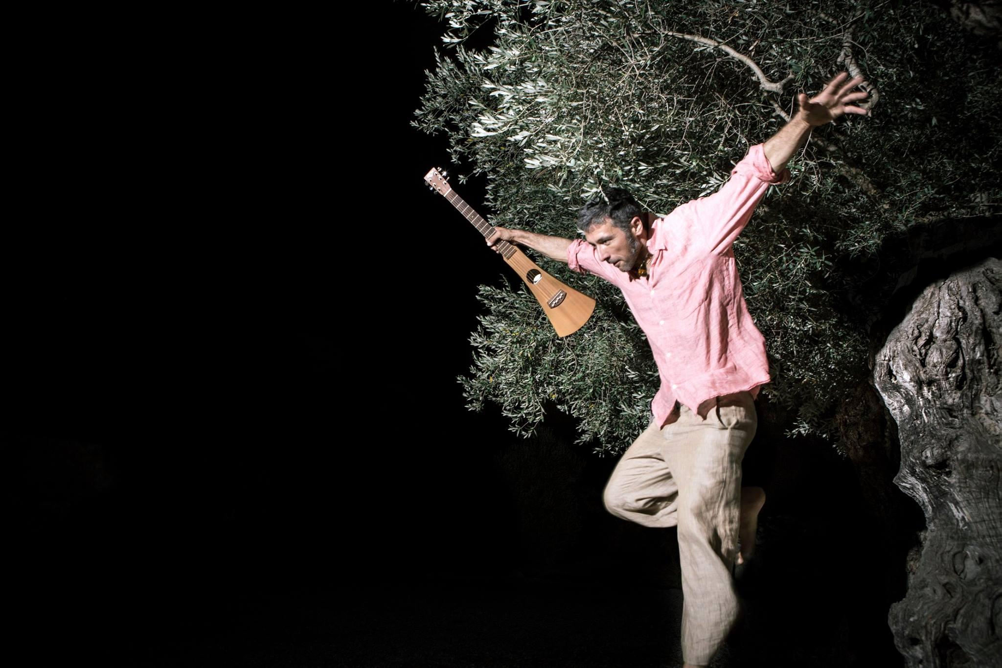 Aucell Cantaire: Toni Verd nos presenta su debut en solitario