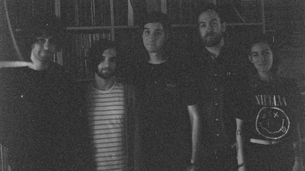 Beliefs confirman regreso y estrenan Tidal wave