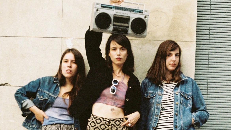 """Fanzine Bulbasaur // """"Queríamos hacer algo creativo con el feminismo y pensamos que el fanzine sería un buen formato"""""""