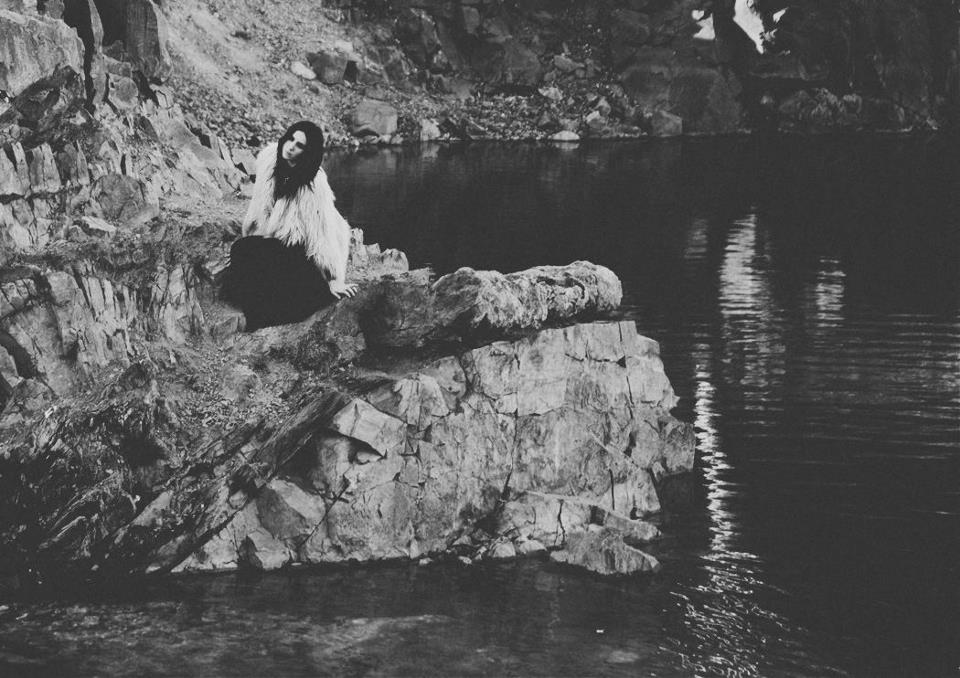 Chelsea Wolfe estrena vídeo para The waves have come