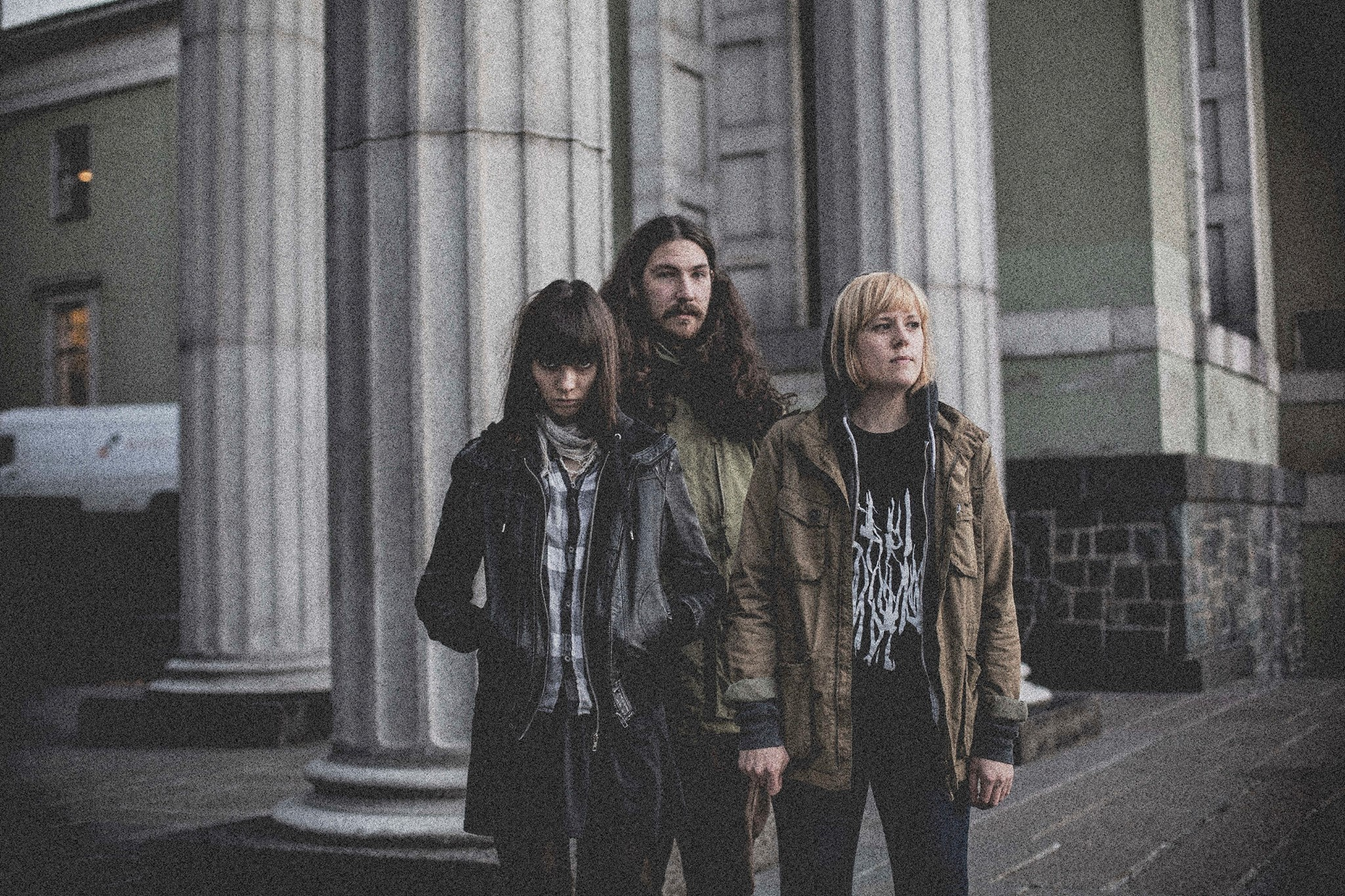 Dark Times: disco en octubre y adelanto de Give