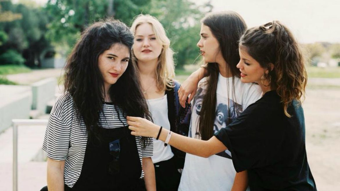 Hinds estrenan vídeo para Chili town
