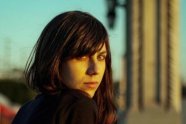 """Julia Holter // """"Todos mis discos tienen fuentes de inspiración distintas, por lo que requieren un proceso creativo diferente"""""""