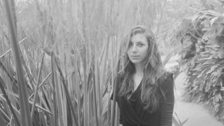 Julia Holter comparte vídeo para Feel you