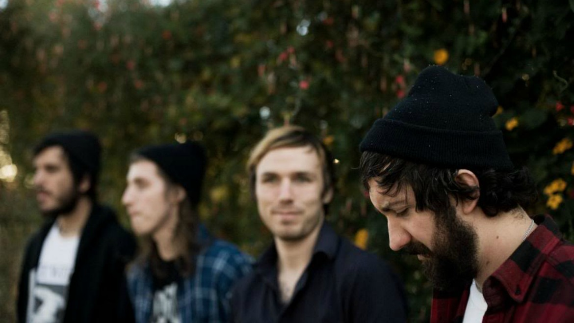 Nothing: split con Whirr y vídeo para Chloroform