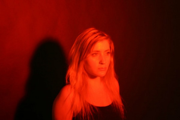 Pharmakon vuelve a lo grande con Body Betrays Itself