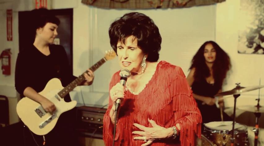 The Ettes, cameo en lo nuevo de Wanda Jackson