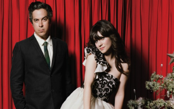 She & Him vuelven para Navidad con It's cold outside