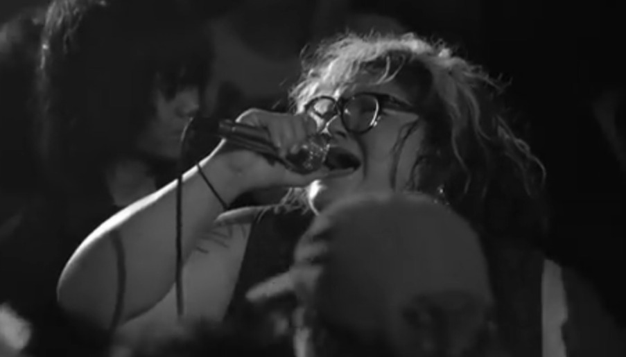 Sheer Mag comparten vídeo para Fan The Flames