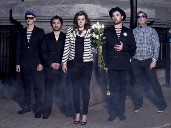 Stars lanzan otro adelanto para anticipar su séptimo disco de estudio