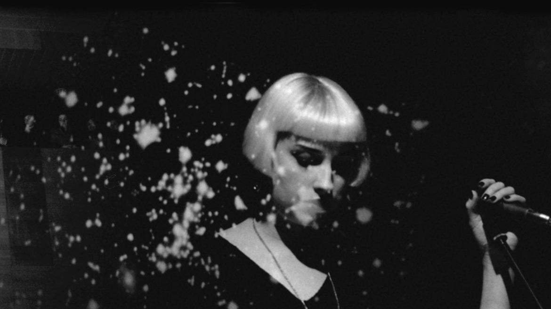 Molly Nilsson y Paralelo, en el preámbulo de Cønjuntø Vacíø