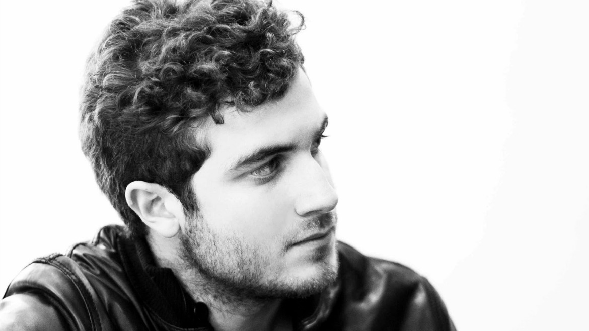 Nicolas Jaar comparte en streaming Nymphs II