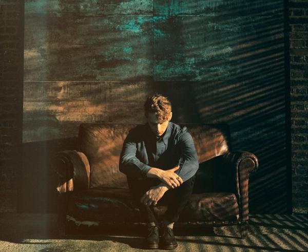 La sofisticación de lo épico: nuevo EP de Rhodes