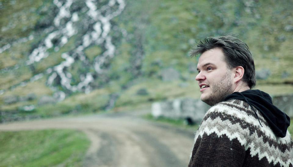 Svavar Knútur. Calidez los Fiordos del Oeste