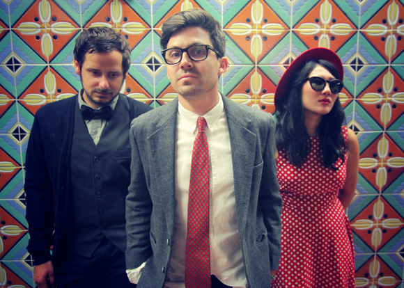 Yellow Red Sparks, disco de debut el 29 de enero